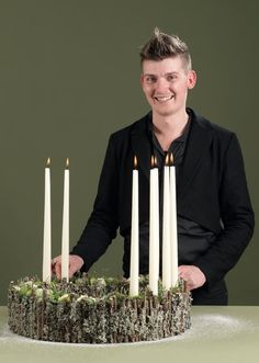 Homemade Christmas advent wreath made by florist Lars Jon with natural materials.