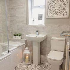 En suite / Badezimmer Idee – Home Decor On A Budget Cozy Bathroom, Downstairs Bathroom, Modern Bathroom, Master Bathrooms, Bathroom Art, Small Bathrooms, Minimal Bathroom, Scandinavian Bathroom, Small Bathroom Suites