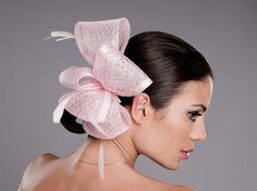 Tocado Lazo Rosa por encargo en Pingleton Hats.  #tocados #tocado #rosa #pingletonhats #boda #complementos #elegante