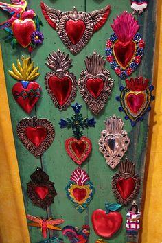 corazones de lámina, pintados,artesanía mexicana