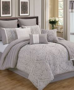Wellington 22-Pc. California King Comforter Set