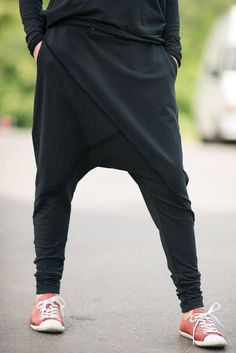 How to Sew an easy pair of knit pants DIY Loose Casual Black Drop Crotch Harem Pants Plus Size Harem Plus Size Harem Pants, Harem Pants Men, Knit Pants, Trousers, Black Harem Pants Outfit, Men's Pants, Hipster Stil, Style Hipster, Hipster Fashion