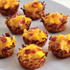 Bite-Sized Breakfast - The Pampered Chef™ Perfect hash brown nests! Love this idea for Easter brunch. Just press thawed hash browns into a mini-muffin tin, fill with your favorite breakfast foods, and bake at 400°F for 22 - 25 minutes or until golden brown.