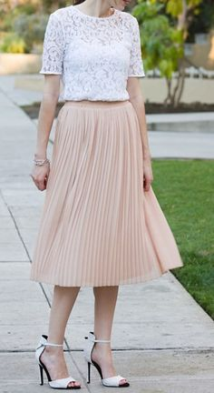 Classy And Casual Pleated Skirts Outfits Design Ideas 32
