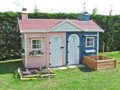 brother + sister playhouse.   Casita de madera infantilHANSEL Y GRETEL