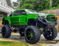 Now this is hard ass. Not dumb others have! Toyota Tacoma 4x4, Toyota Tundra Off Road, Toyota Tundra Lifted, 2012 Toyota Tundra, Toyota Tundra Crewmax, Tacoma Truck, Toyota Trucks, Diesel Trucks, Custom Trucks