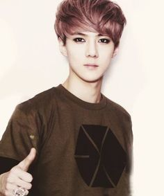 Oh Sehun ~ EXO i want the shirt too