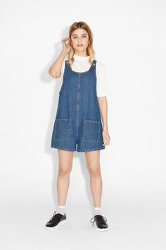 Even if you don't plan to hit the sandbox, this 100% cotton romper-dungaree hybrid is up for whatever shenanigans you might have in mind.