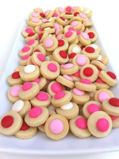 Spot Cookies-Henri's in Atlanta.the best! Polka Dot Birthday, Polka Dot Party, Polka Dots, Confetti Cookies, Pink Parties, Cookie Bars, Beautiful Cakes, Chocolate Recipes, Cookie Recipes