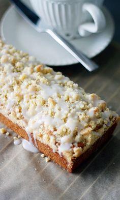 Banaanimurukakku | Maku Finnish Recipes, Pan Dulce, Cake Bars, Sweet Pastries, Something Sweet, Desert Recipes, Coffee Cake, Let Them Eat Cake, Baking Recipes