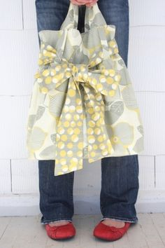 Reversible bag - cute bow tie! Learn how to make this! by gabriela