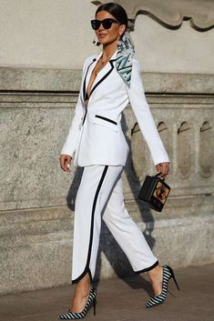 White And Black Power Suit Design ★ Women suits are meant not just for business; they should also make you feel both stylish and confident. Our ideas are here to show how to choose and wear the perfect formal outfit while still looking prof News Fashion, Suit Fashion, Look Fashion, Fashion Outfits, Womens Fashion, Fashion Ideas, Basic Outfits, Classy Outfits, Stylish Outfits