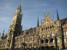 Glockenspiel in Munich.