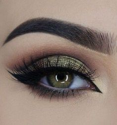 50 makeup tutorials for green eyes - amazing green eye makeup. Best Picture For Eye Makeup tips Fo Makeup Geek, Eye Makeup, Cut Crease Makeup, Makeup Tips, Beauty Makeup, Makeup Ideas, Makeup Style, Makeup Trends, Night Makeup