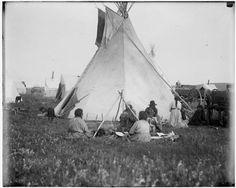 Little Owl and his family - Blackfeet (Pikuni) - 1909