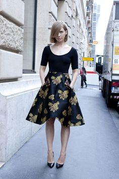 vika gazinskaya /  Street looks à la Fashion Week haute couture de Paris 11 | Défilés | Vogue