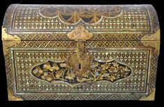 Namban Mother-of-Pearl Inlaid Lacquer Coffer made for the Portuguese Market Japan Japanese Furniture, Creative Box, Coffer, Antique Boxes, Art Object, Asian Art, Japanese Art, Portuguese, Antique Furniture