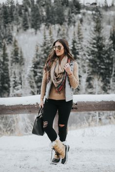 Epic 10 Look Stylish Winter Women Outfits Ideas to Support Your Appearance Enter… – Winter Outfits BLOĞ Stylish Winter Outfits, Winter Mode Outfits, Winter Fashion Boots, Winter Outfits Women, Chic Outfits, Fall Outfits, Autumn Fashion, Winter Boots, Trendy Outfits