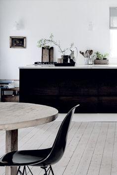Smart Kitchen Design Styles Around The House Kitchen Dinning Room, Kitchen Time, Smart Kitchen, Wooden Kitchen, New Kitchen, Kitchen Decor, Modern Scandinavian Interior, Scandinavian Living, Black Kitchens