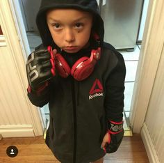 Dope Halloween costume of Ronda Rowdy Rousey!!! This would totally be my kid!