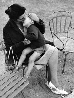 """""""Long-Lost Photos Show What Hasn't Changed About Motherhood In 50 Years"""""""