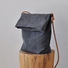 FIELD BAG charcoal by bookhoudesign on Etsy