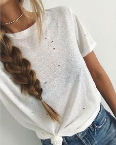 casual vibes via @cath_belle in our in the raw distressed ivory tee ✌️ tap the link in our bio to get the look #lovelulus #lulusambassador