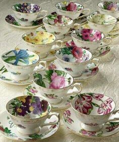 Tea cups - looks like a tea party waiting to happen. Cuppa Tea, Teapots And Cups, China Tea Cups, Vintage Dishes, Vintage China, Vintage Teacups, My Cup Of Tea, Tea Service, Chocolate Pots