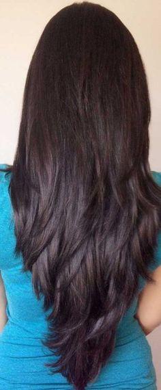 V-shaped Haircut Shoulder Length Best Hairstyle and Haircut Ideas Glamorous Hair. V-shaped Haircut Layered Thick Hair, Long Layered Haircuts, Round Face Haircuts, Straight Hairstyles, New Haircuts, 70s Hairstyles, Simple Hairstyles, Step Cut Haircuts, Haircuts For Long Hair With Layers