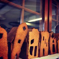 Barnas egendesignet pepperkakehus