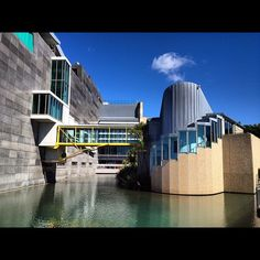 Te Papa (Museum of New Zealand), Wellington, New Zealand. My home town looking forward to a visit soon! Wellington City, Wellington New Zealand, New Zealand Cruises, New Zealand Travel, The Beautiful Country, Beautiful Places, New Zealand North, Auckland, Amazing Architecture