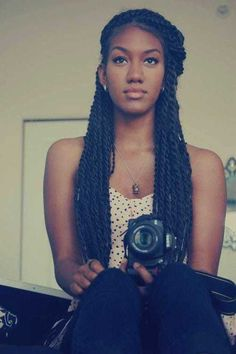 Large Senegalese Twists