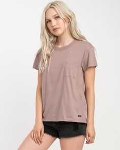 The RVCA Label Pocket T-Shirt is a relaxed fit, vintage wash short sleeve tee with a RVCA solo label at the bottom hem. It has a front pocket, contrast ...