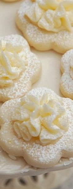 Pink Piccadilly Pastries: Frilly Lemon Meltaway Cookies - Beautiful and delicious Christmas and holiday dessert idea! Lemon Desserts, Lemon Recipes, Cookie Desserts, Just Desserts, Baking Recipes, Sweet Recipes, Delicious Desserts, Dessert Recipes, Easy Recipes
