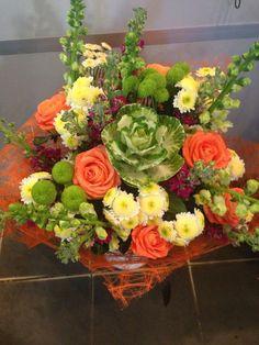 С наступающими праздниками, друзья! Не забывайте дарить родным и близким цветы и подарки! #букетыподарочные #весенниебукеты #заказцветов #цветынадом
