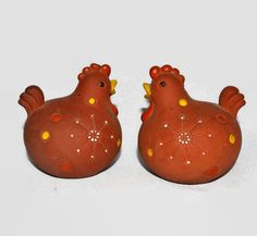 New to ChicMouseVintage on Etsy: Chicken Salt & Pepper Shakers - Holt Howard - Terra Cotta Clay (22.00 USD)