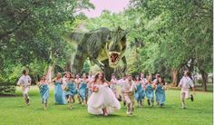 Dinosaur Wedding Photo: T-Rex Chases Bridal Party In Viral Snapshot (PHOTO) - hilarious! Have to do this, but with everyone running away from a giant Wubs! Dinosaur Wedding Photos, Funny Wedding Photos, Wedding Trends, Wedding Pictures, Wedding Ideas, Wedding Venues, Wedding Images, Destination Wedding, Wedding Speeches