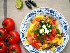 Nachos w homemade enchilada & cheddar sauce