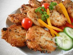 Smažené rýžové placičky připravujeme z kulatozrnné rýže a tvarohu. Baked Potato, Potatoes, Vegetarian, Meat, Chicken, Baking, Ethnic Recipes, Food, Potato