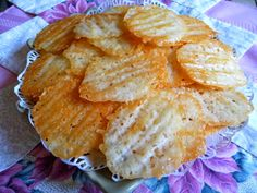 SPLENDID LOW-CARBING BY JENNIFER ELOFF: MONTEREY JACK DIPPING CHIPS