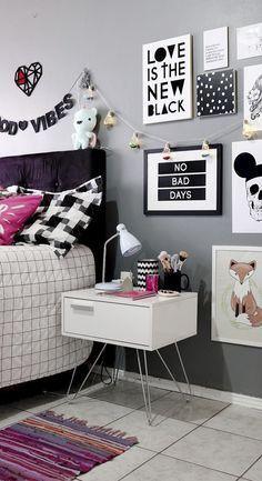 Small Girls Bedrooms, Diy Mason Jar Lights, Spa Treatment Room, Tumblr Rooms, Aesthetic Room Decor, Retro Furniture, Fashion Room, New Room, Girl Room