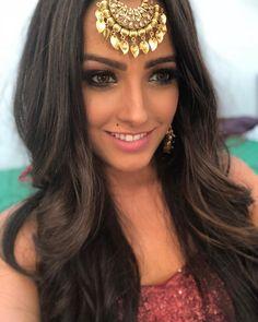 Popular Dating Sites, Tashan E Ishq, Indian Tv Actress, Vogue Magazine, Wedding Make Up, Beautiful Actresses, Pretty Face, Wedding Jewelry, Hair Makeup