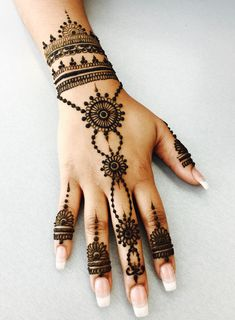 (notitle) (notitle),Henna Thingy Related posts:Latest Beautiful and easy mehndi designs for hands 2019 - Henna designs hand✧ P I N T E R E S T Pretty Henna Designs, Modern Henna Designs, Henna Tattoo Designs Simple, Henna Art Designs, Mehndi Designs For Beginners, Mehndi Designs For Fingers, Best Mehndi Designs, Hand Designs, Very Simple Mehndi Designs