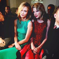 New York Fashion Week: Kate and Allison Bring the Sunshine! | TAYLOR SWIFT & KARLIE KLOSS | Some BFFs get dinner and a movie to catch up. These two Vogue cover girls get front row seats to one of the hardest-to-get tickets in town, Oscar de la Renta. (And both paid tribute to the late designer on their Instagrams.)