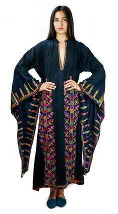 This Bedouin caftan at Prism of Threads is beyond dreamy <3