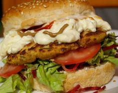 27/07/15   Este hamburguer é uma delícia. Usamos tofupiry com ele, mas vc pode usar qualquer queijo vegetal: mussarela vegana , queijo ...