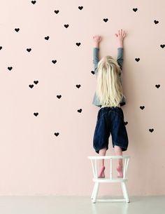 שדרוג חדרי ילדים, קיר לבבות גובה
