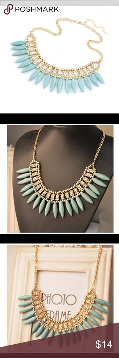 Statement Collar Necklace:Available in Blue&White New in Plastic Jewelry Necklaces