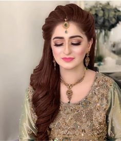 Wedding Hairstyles With Crown, Bridal Hairstyle Indian Wedding, Engagement Hairstyles, Bridal Hair Buns, Bridal Hairdo, Indian Bridal Hairstyles, Mehndi Hairstyles, Lehenga Hairstyles, Open Hairstyles