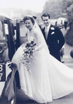 most beautiful historical British wedding gowns exhibit at Victoria and Albert Museum